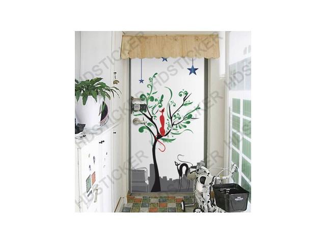 สติ๊กเกอร์ติดประตูห้องลายแมวกับต้นไม้